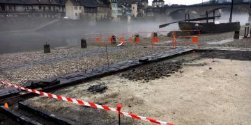 Quai sur la Dordogne - Réalisation d'une calade en galets et d'un pavage en opus lauze (13 février 2018)
