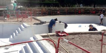 ZONE 1 - Préparation du bassin avant réalisation de la résine - Ponçage (17 septembre 2018)