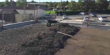 ZONE 4 - Dépose de la protection gravillonnée pour nettoyage et pour remplacement de l'étanchéité de la toiture(24 septembre 2018)